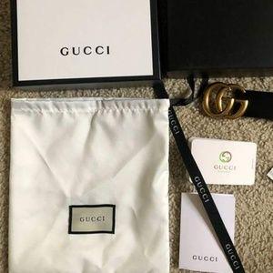 Gucci Blaci Leather Belt gold buckle